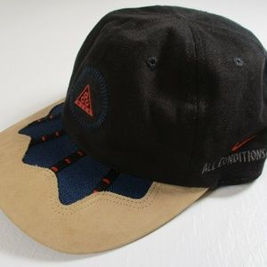 VTG Rare 80s Nike ACG Snapback Leather Mint